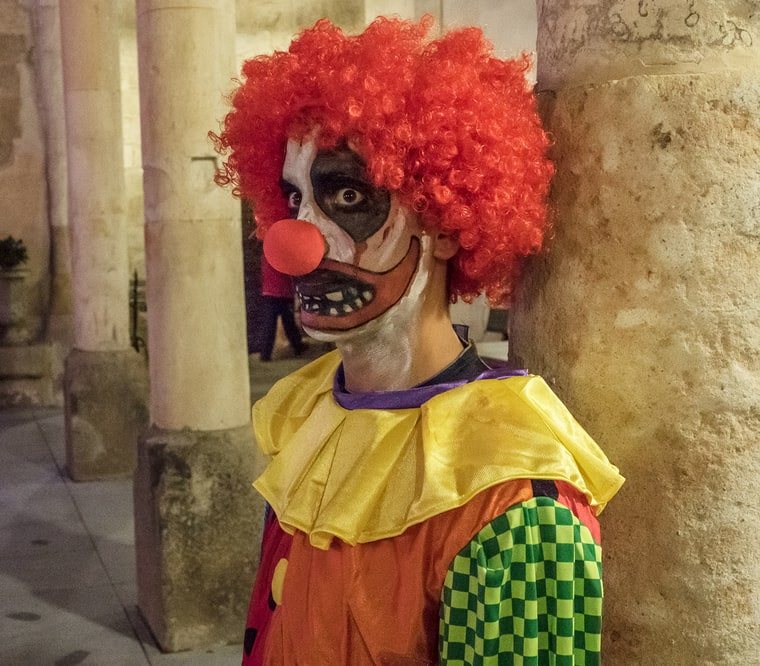 scary-clown-photo
